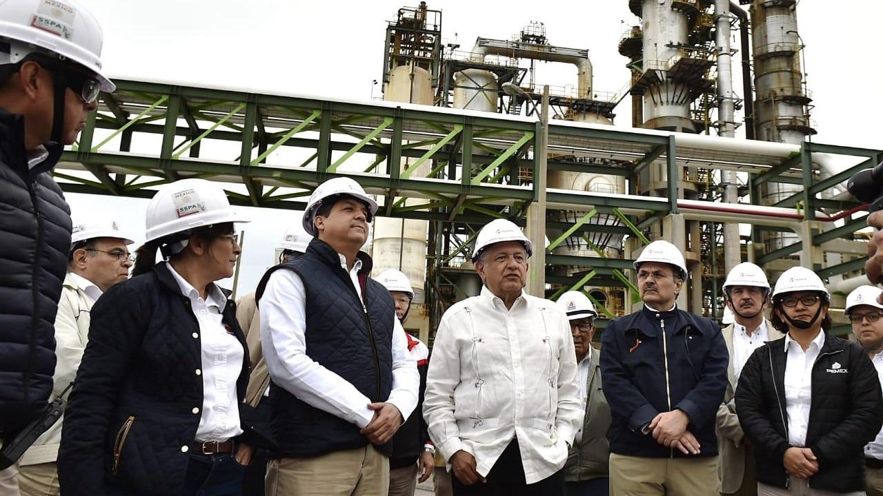 Pemex contradice a Sener por meta de refinerías en 2019
