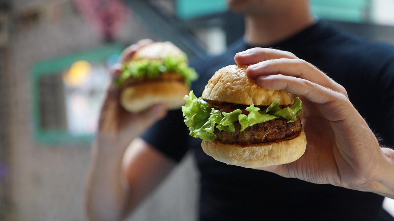 B2eat, la plataforma para comenzar tu negocio de comida en 2 minutos