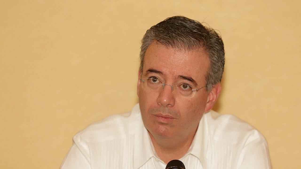 Banxico ve con reservas plan de Hacienda para rescatar a Pemex