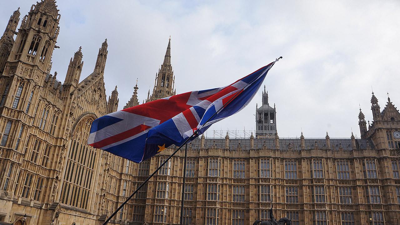"""""""No tenemos voz"""": miles de personas exigen en Londres nueva votación del Brexit"""