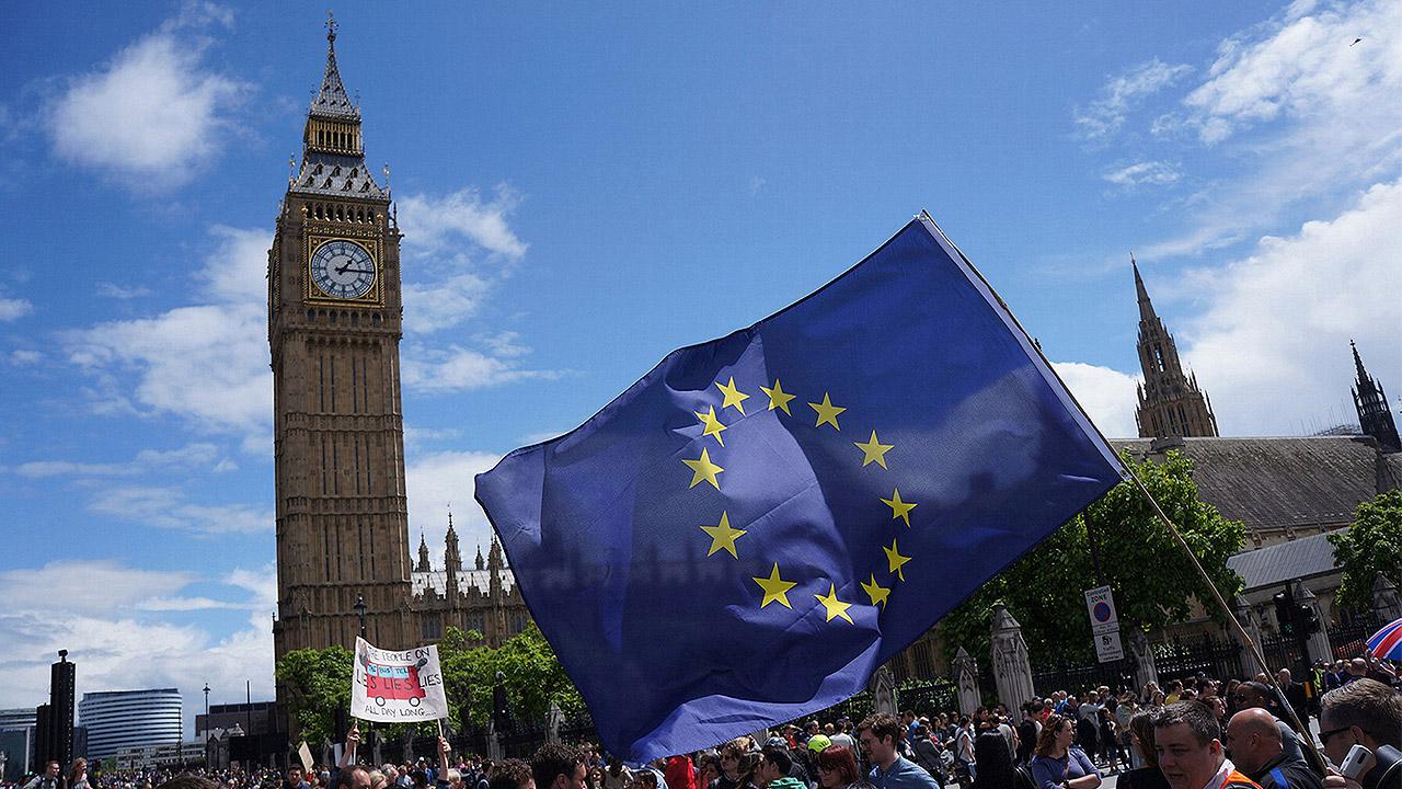 Primer ministro británico aún ve posible acuerdo para Brexit