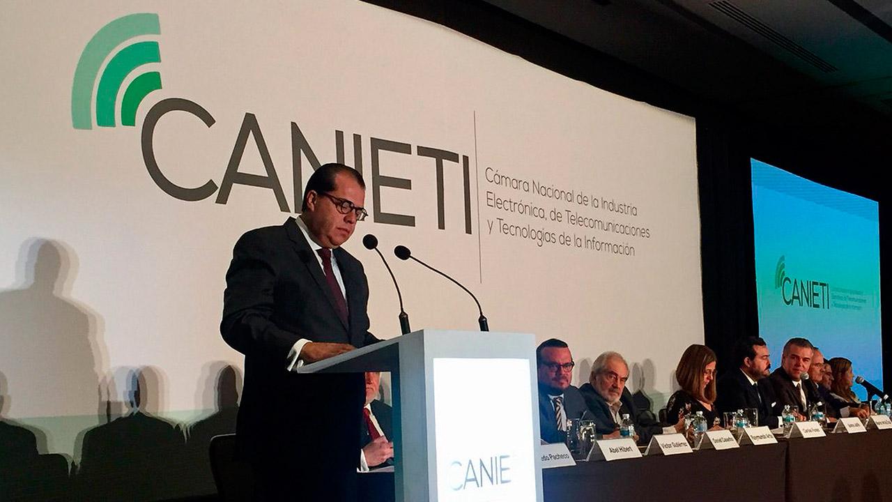 Canieti anuncia a Carlos Funes, de Softtek, como nuevo presidente