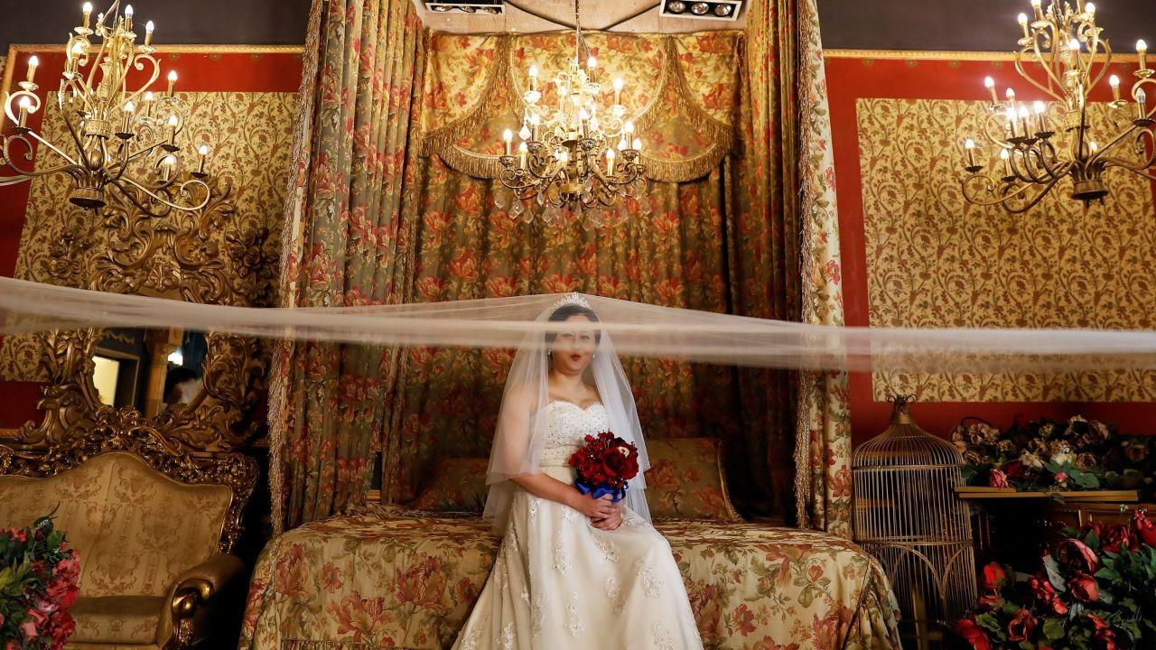 Altos 'precios de las novias' causan pobreza en China, acusan