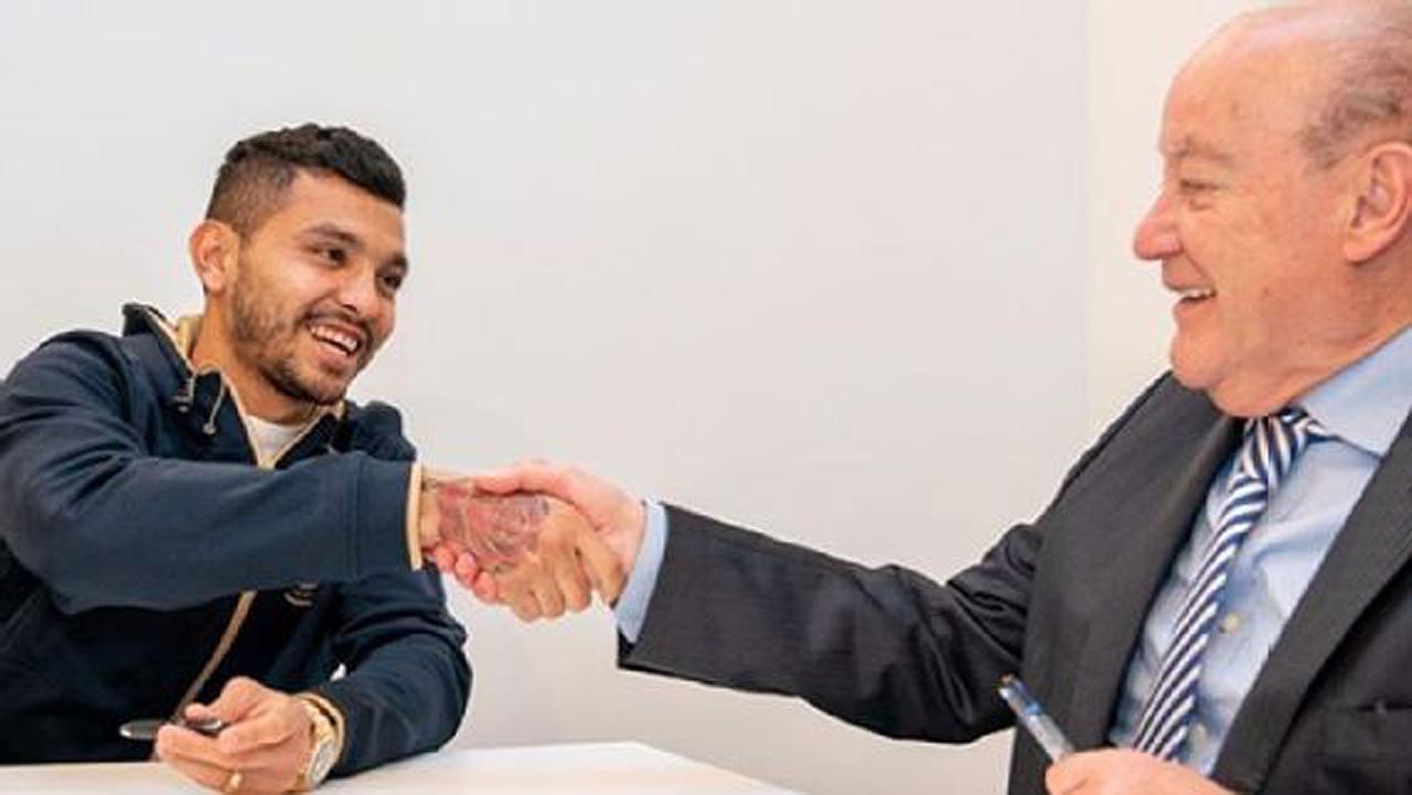 'Tecatito' Corona renueva con el Porto hasta 2022