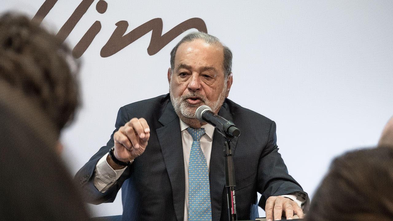 Slim pidió ayuda a AMLO para continuar NAIM, pero fue ignorado: Bloomberg