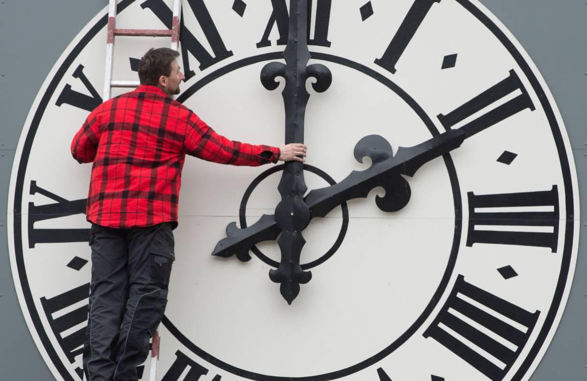 Este domingo hay que ajustar el reloj: inicia el Horario de Verano