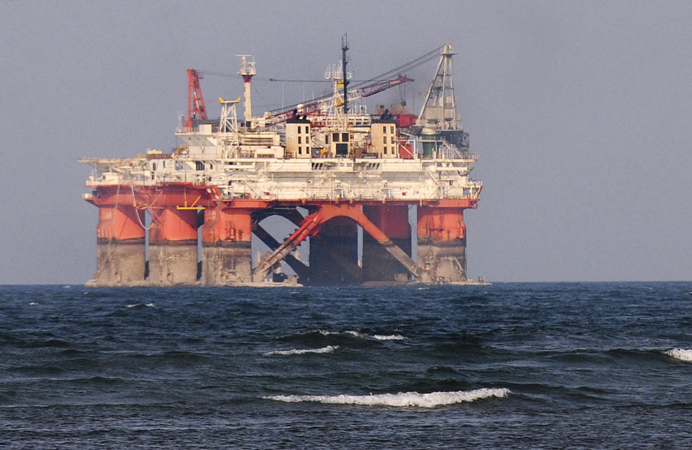 Producción petrolera de Pemex cayó 10.3% en abril