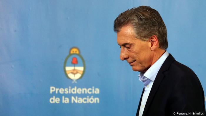 Recesión en Argentina: devaluación, caída de la bolsa y suba del riesgo país