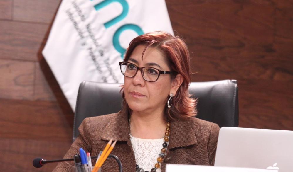 Josefina Román Vergara toma posesión como comisionada de Transparencia