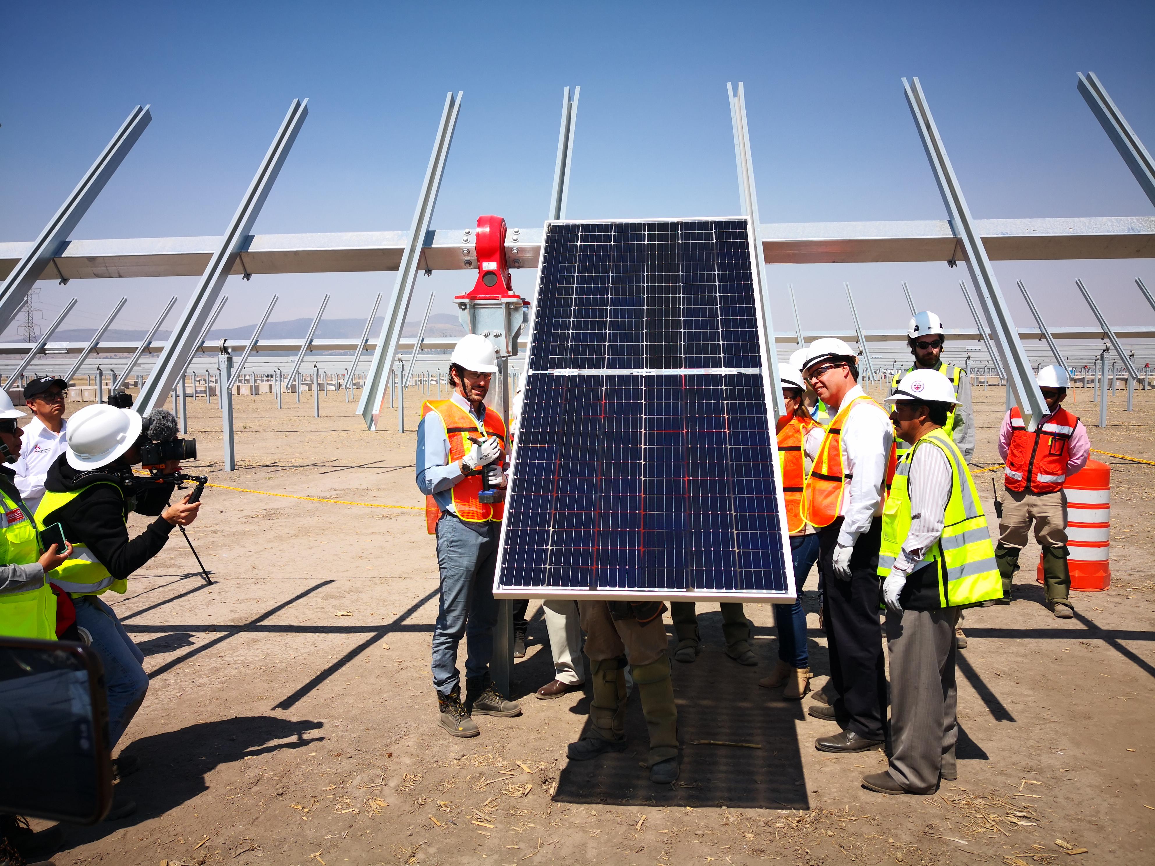 Enel instala primer panel solar en Tlaxcala