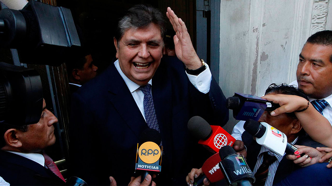 Expresidente peruano se dispara para evitar ser detenido por caso Odebrecht