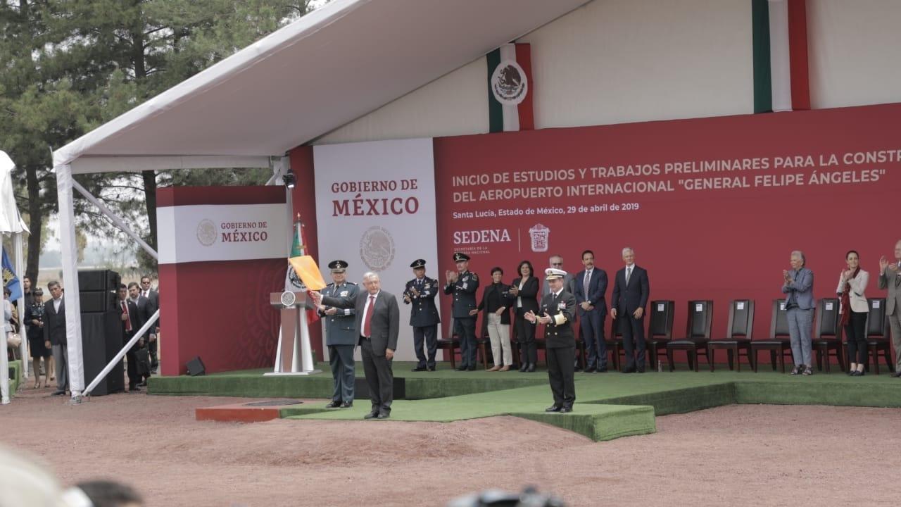 Ocasión de la colocación de la piedra fundamental de la obra. Foto: Arturo Luna / Forbes México