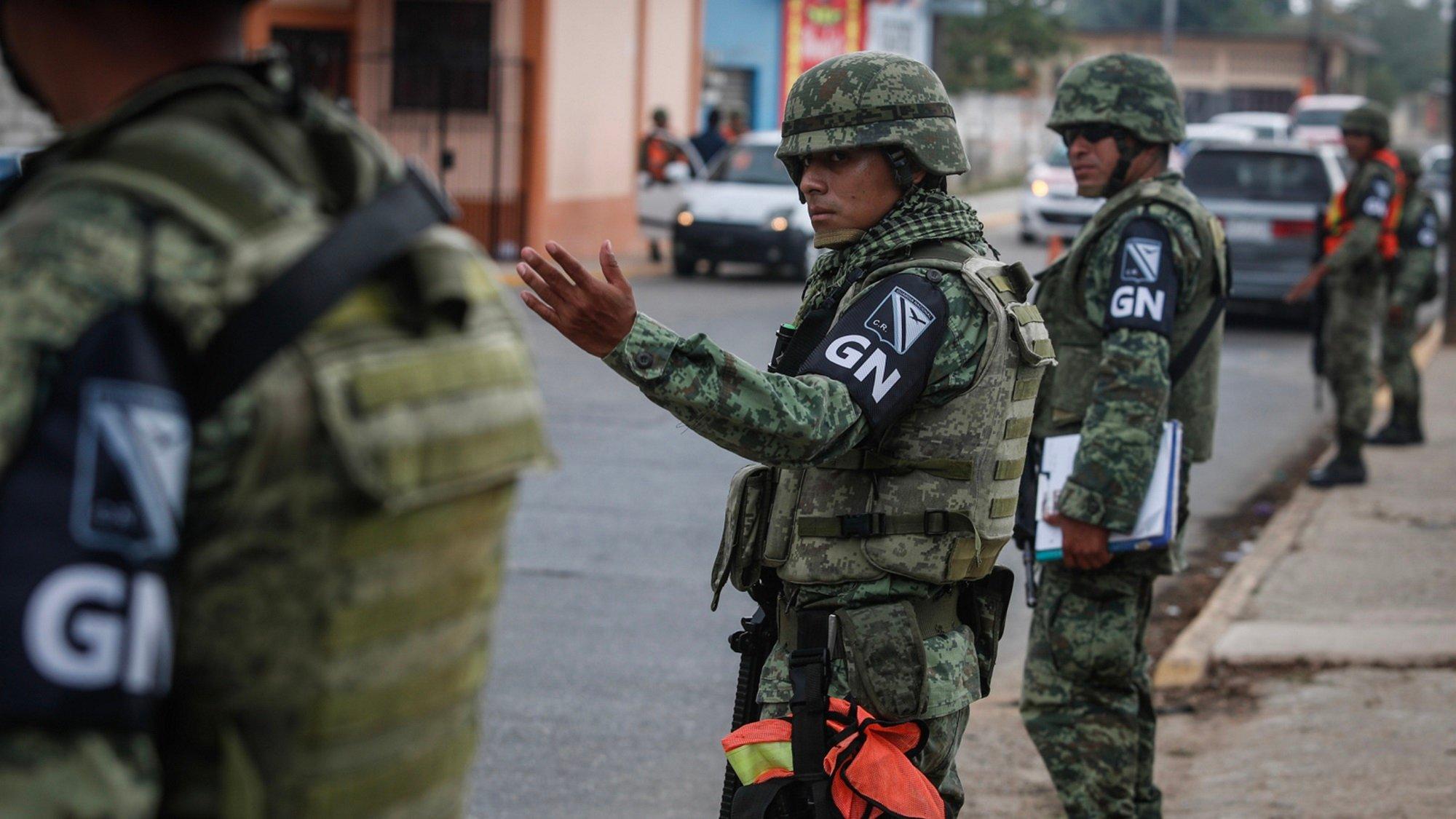 Sedena, Semar y GN refuerzan patrullajes en CDMX durante cuarentena