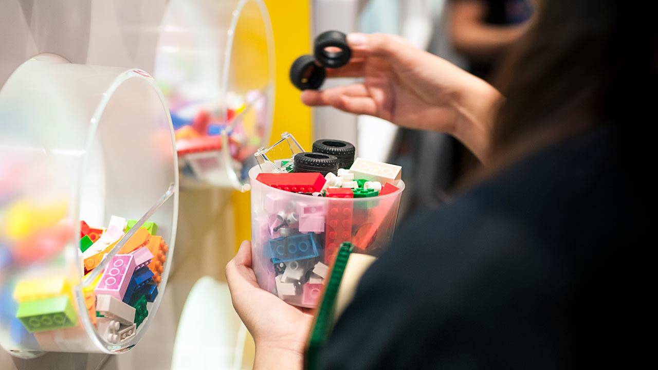 Lego entra al juego de las licencias y franquicias