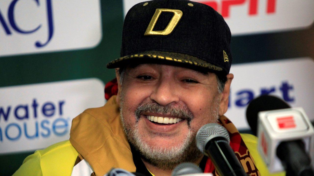Maradona hace campaña para legalizar cannabis