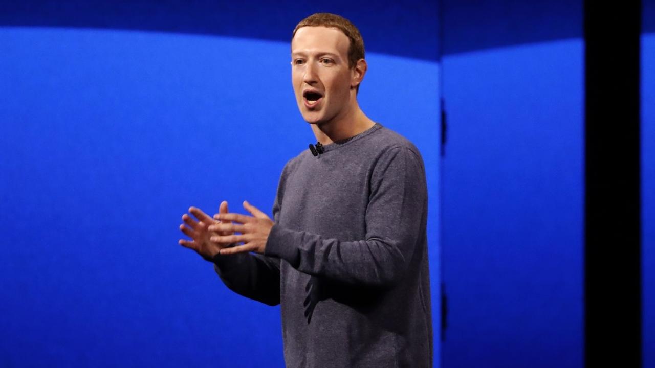 Zuckerberg presenta retoques de Facebook y herramientas para empresas