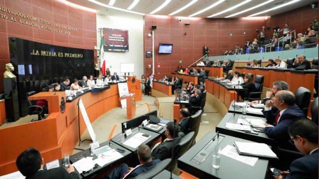 Reciben Senadores la Reforma Laboral