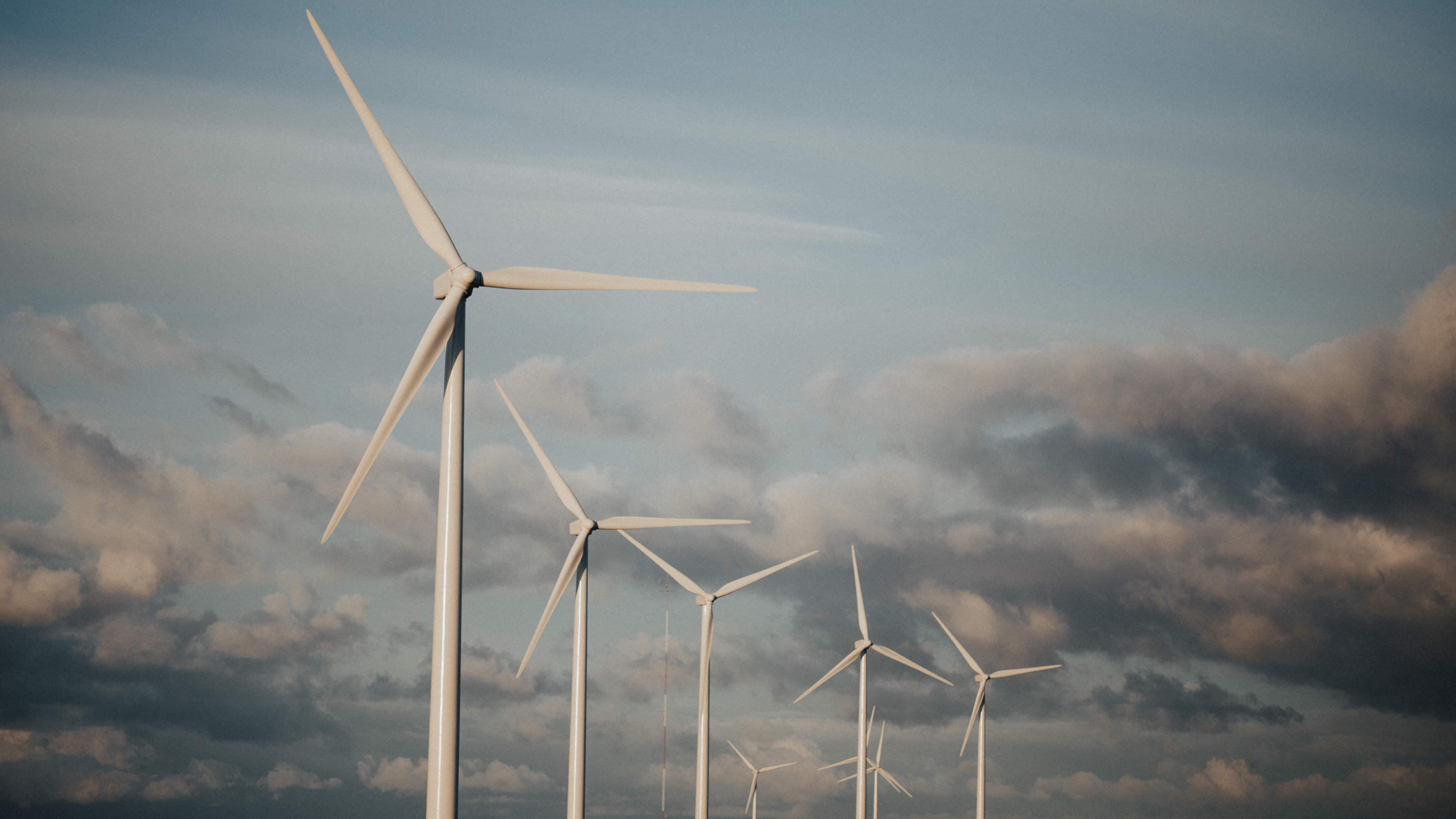 ¿Cómo lograr un sistema global con 100% de energías renovables?