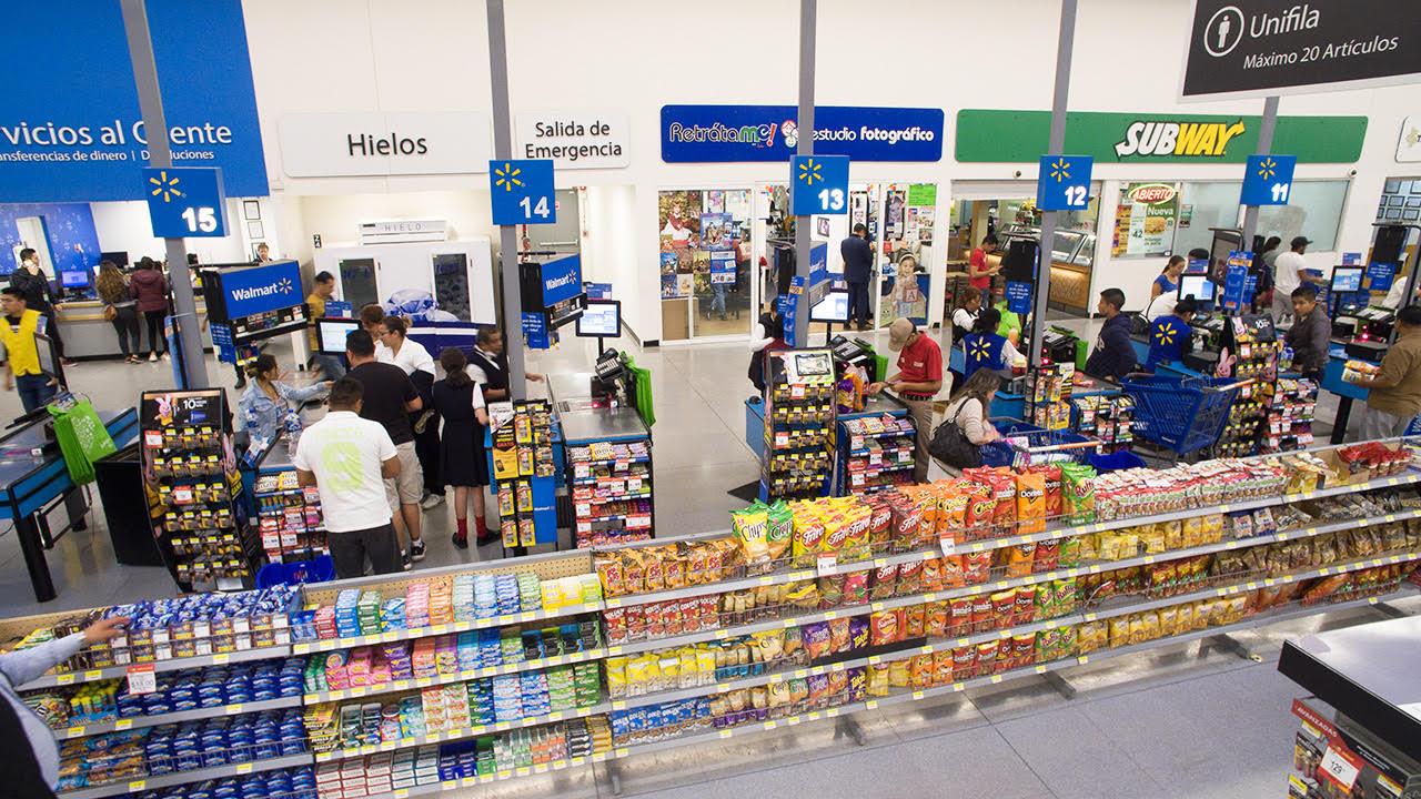 Walmart se lava las manos sobre adultos mayores empacadores