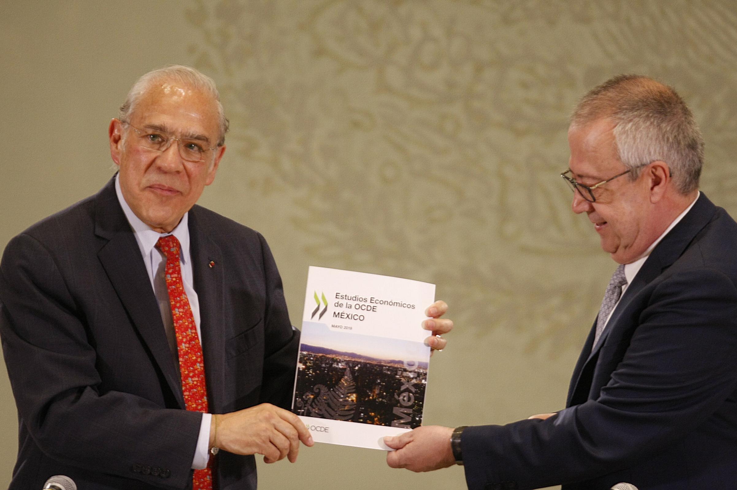 Pemex tiene a México en un estado de contingencia: Gurría