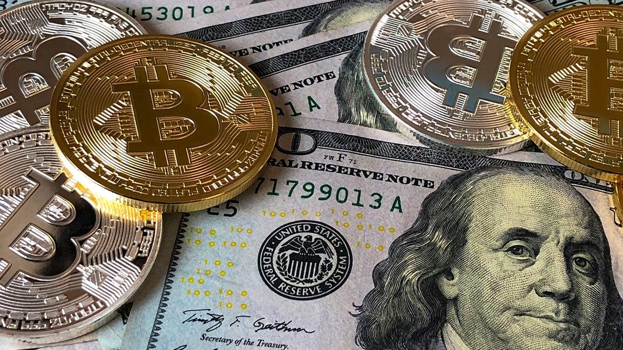 Bitcoin pierde cerca de 200 mil millones dólares en valor