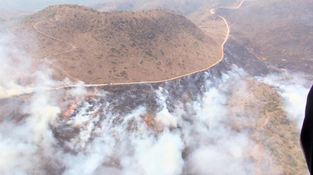 Incendio en Chilpancingo se extiende; 200 personas lo combaten