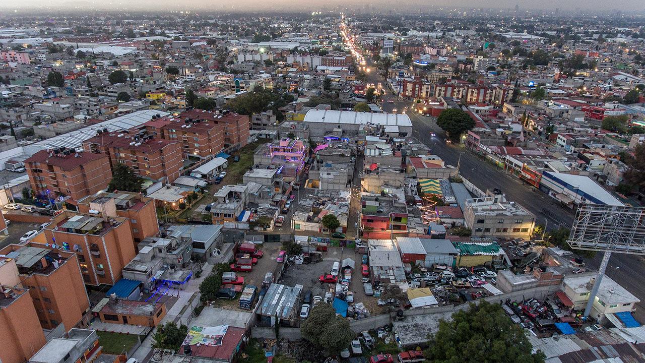 Analizan apoyo para damnificados por sismos que quieran irse de CDMX