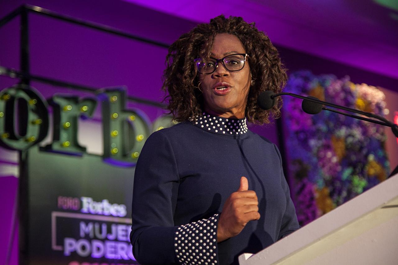 Esto se necesita para que el mundo sea mejor para las mujeres: vicepresidenta de CR