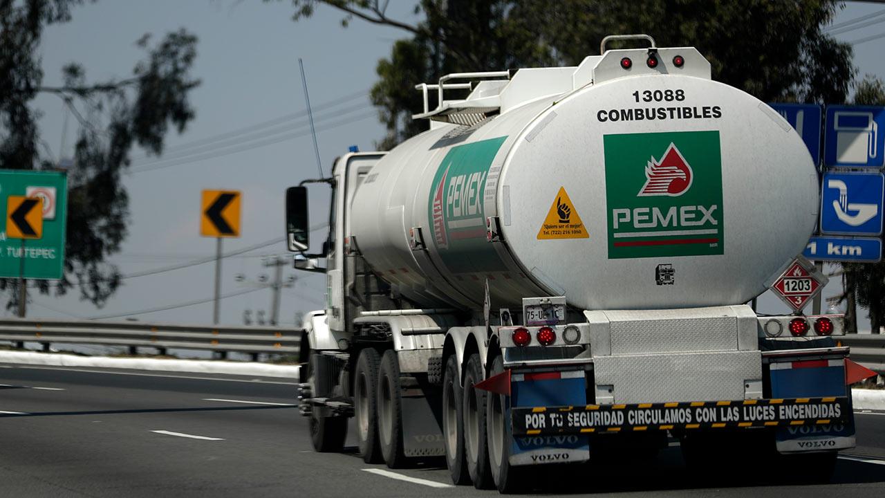 Por decreto, gobierno de AMLO reducirá carga fiscal para Pemex