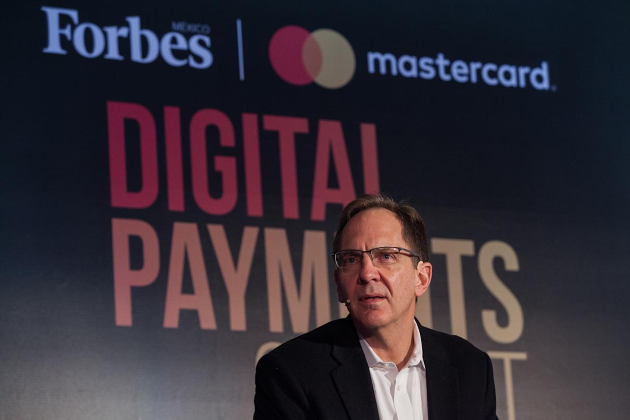Las nuevas regulaciones financieras deben de considerar a la tecnología