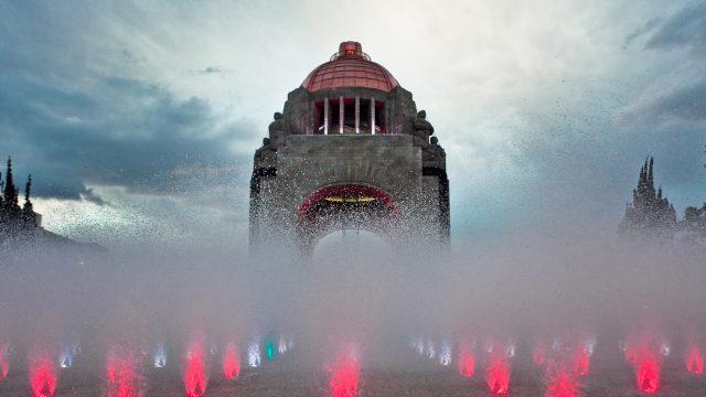 Admira el amanecer de la CDMX desde el Monumento a la Revolución