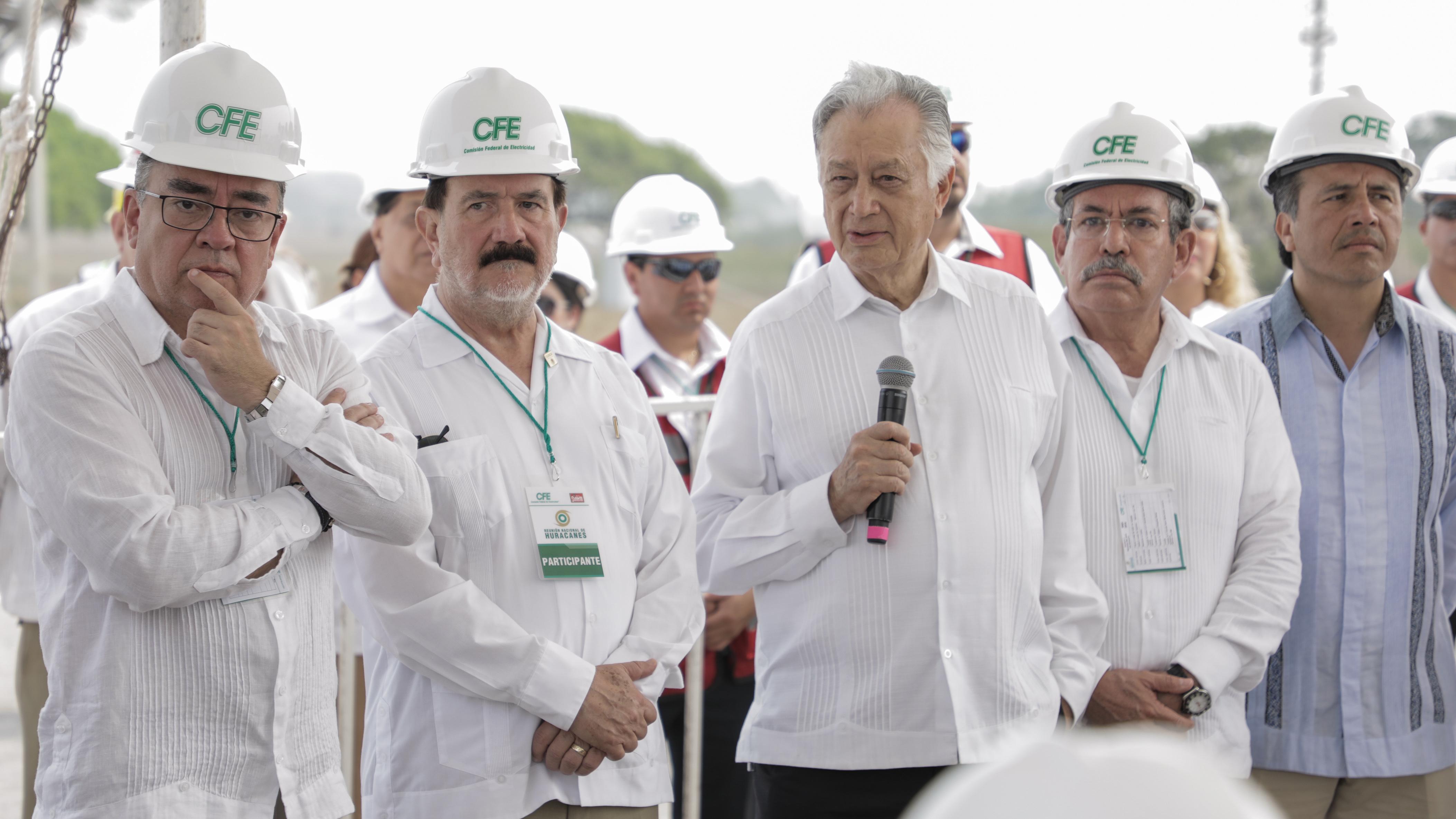CFE apuesta por el gas: licitará construcción de 5 centrales de ciclo combinado