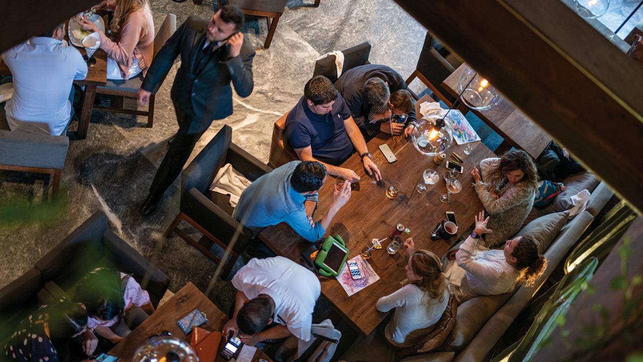Deducción de consumo en restaurantes y viajes para acelerar recuperación, pide IP