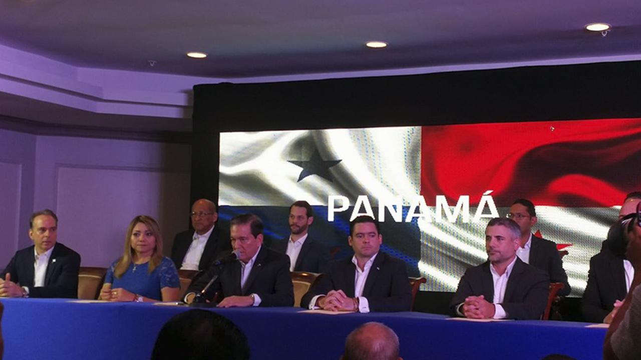 Presidente electo de Panamá presenta a integrantes de su gabinete