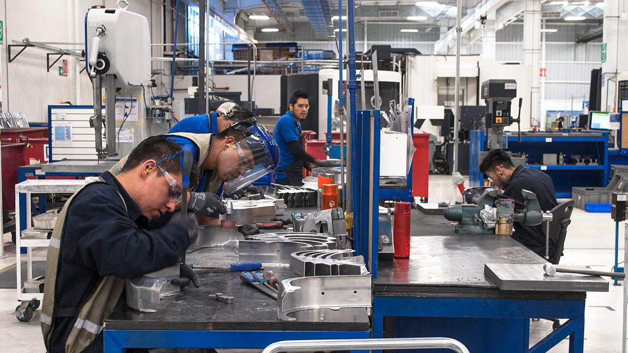 Ahora resulta que Donald Trump favorece a los trabajadores mexicanos
