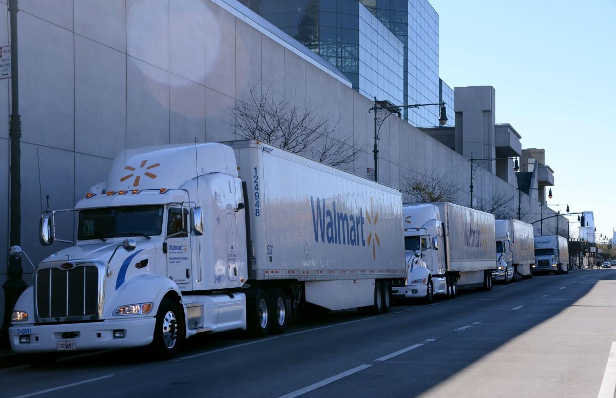Wal-Mart contrata conductores de camiones con sueldos de ingeniero