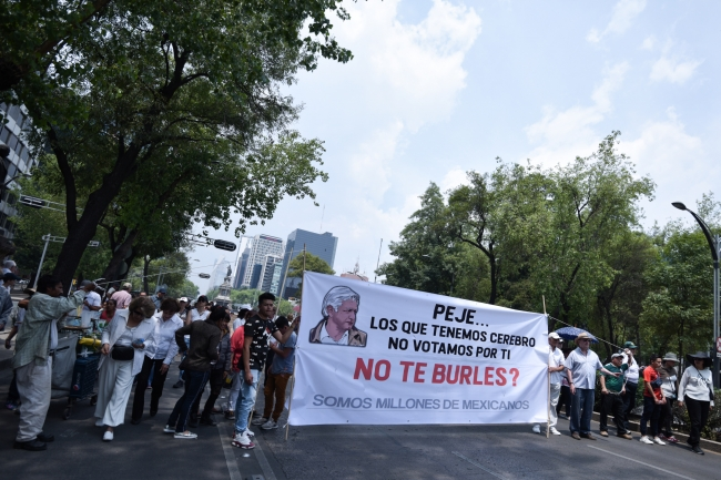 Protestan en múltiples ciudades contra políticas de López Obrador