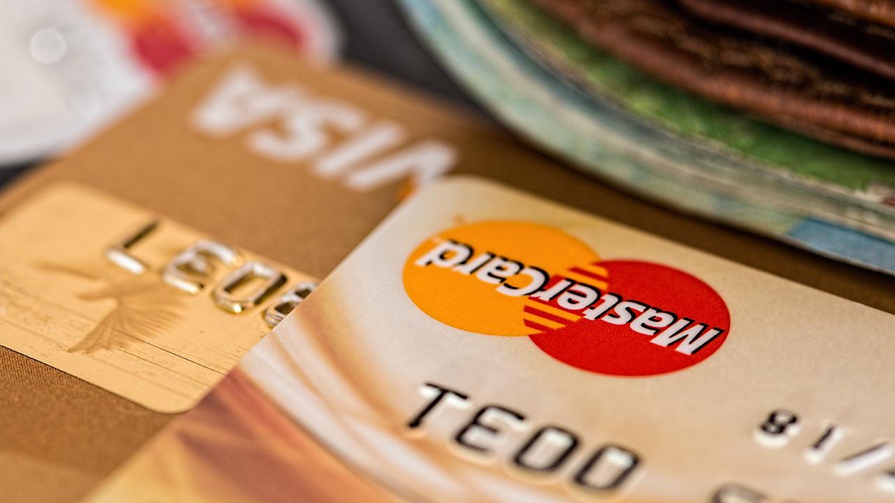 Cómo usar la tarjeta de crédito para acortar tus gastos de viaje
