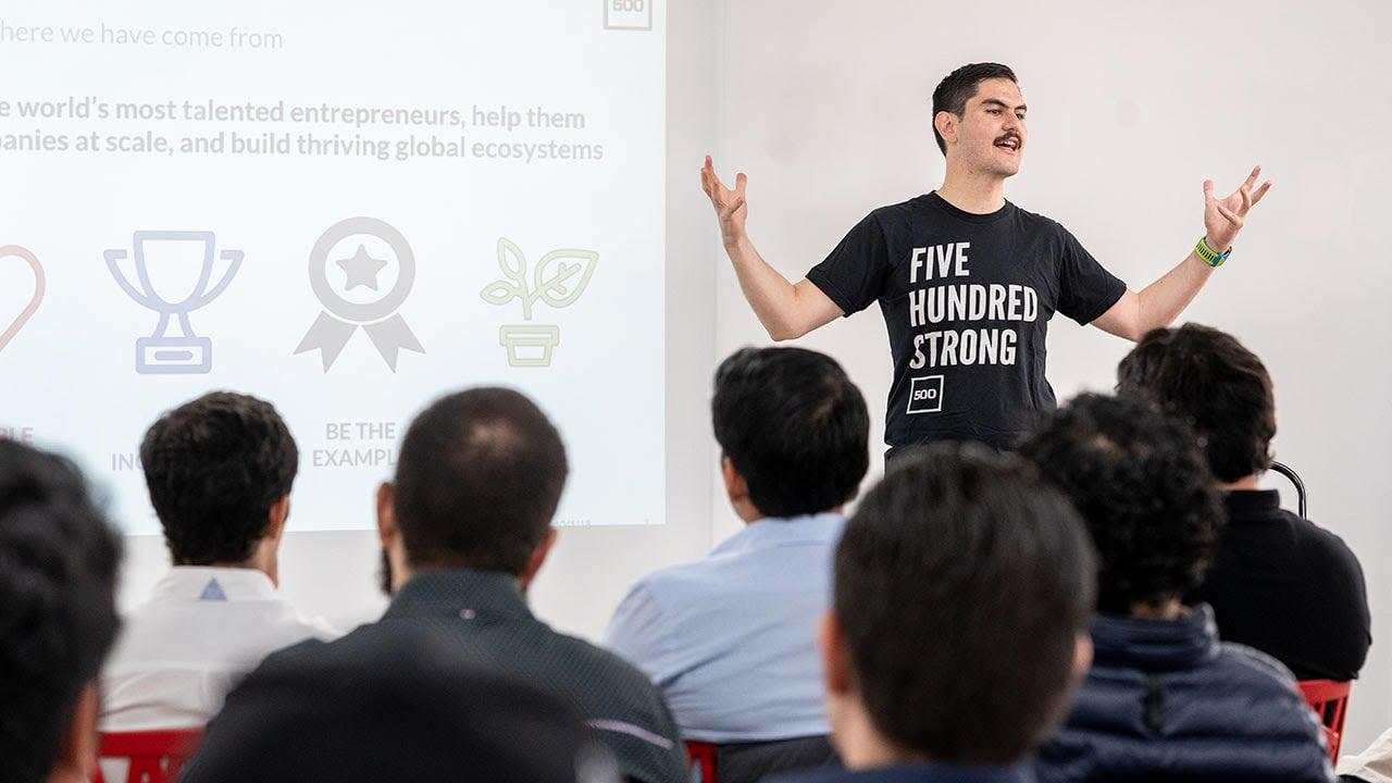 Las primeras 11 empresas en las que '500 Startups' invertirá este año