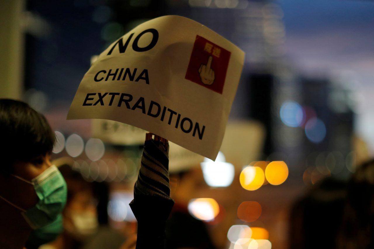 Marchan en Hong Kong contra ley de extradición a China
