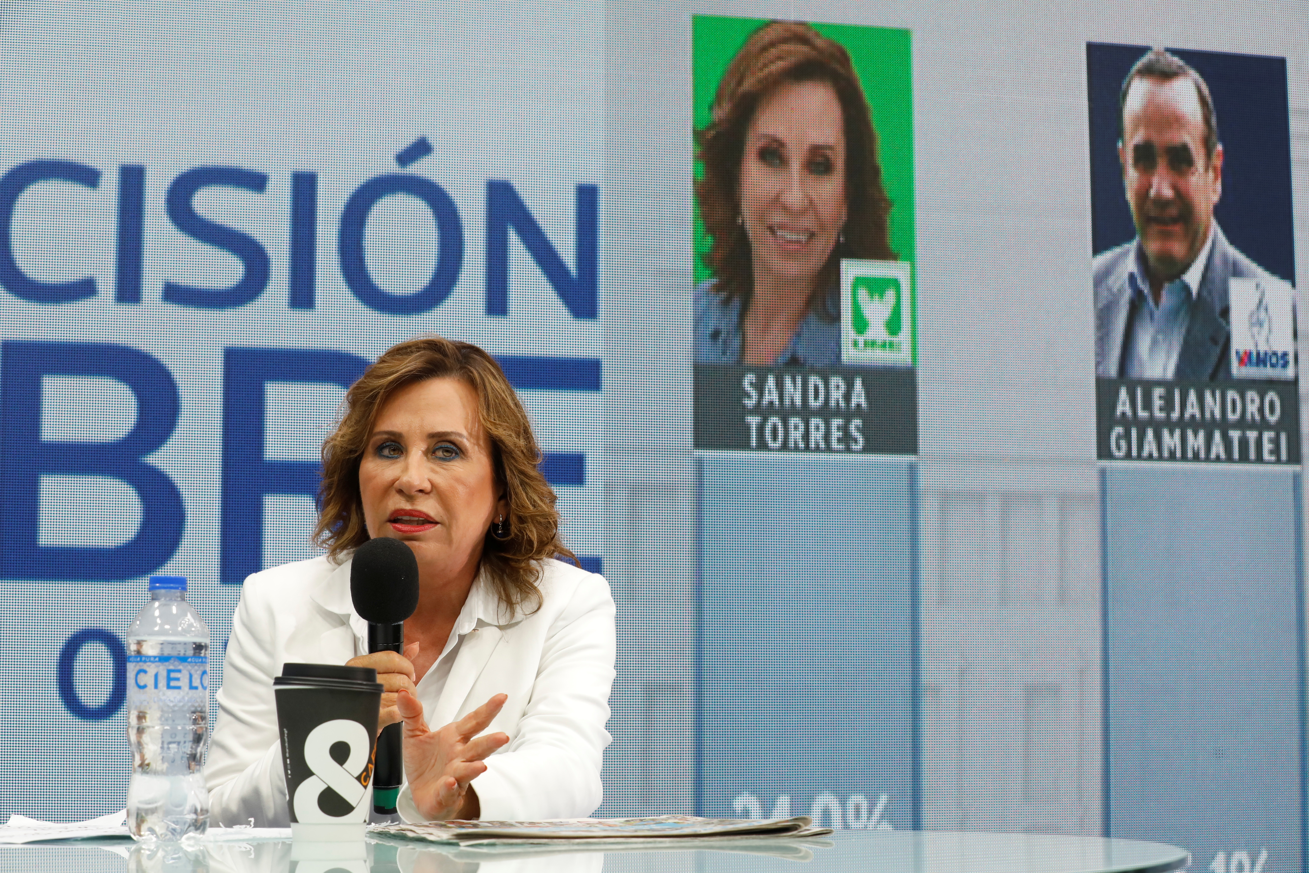 Torres y Giammattei lideran elecciones en Guatemala