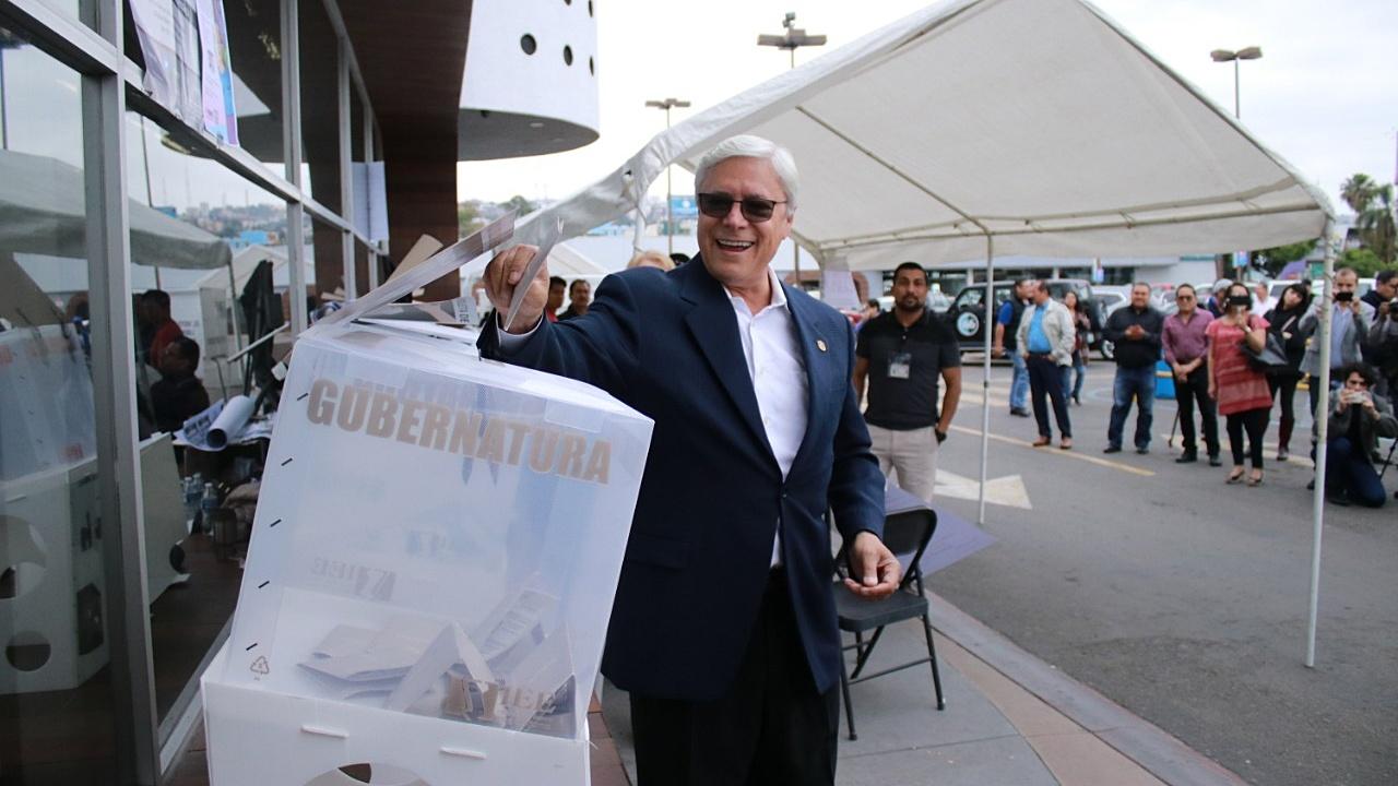 Causa polémica ampliación de mandato a gobernador de Baja California