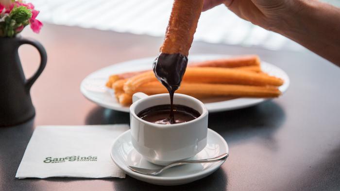 San Ginés, la legendaria chocolatería madrileña llega a México