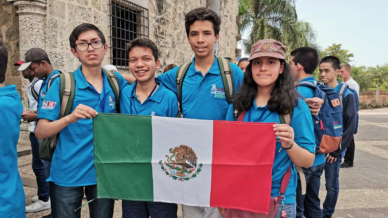 Niños mexicanos obtienen dos medallas de oro en olimpíada de matemáticas