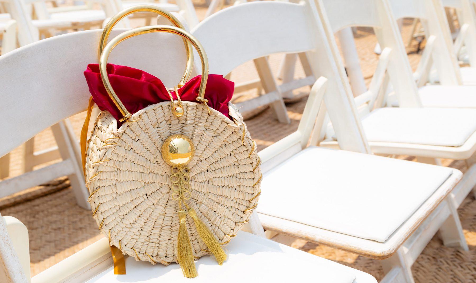 Daniel Espinosa reinventa el bolso de verano