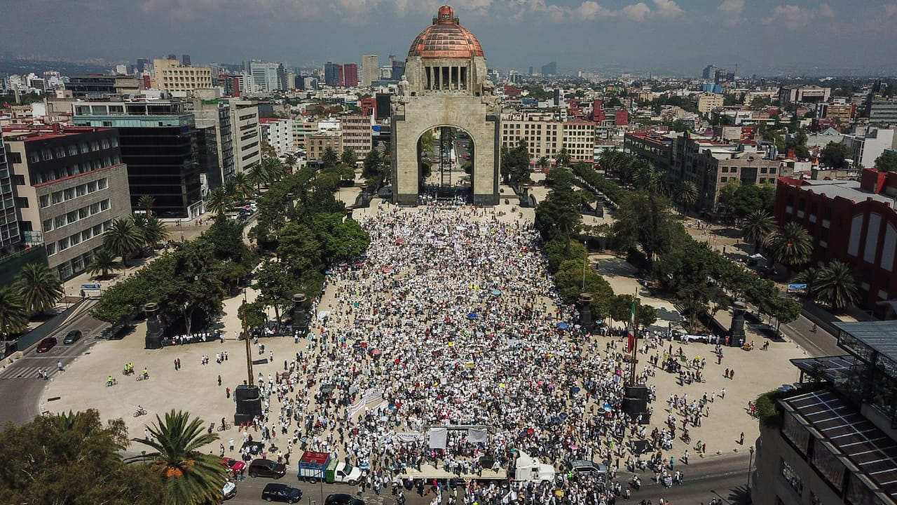 A un año de victoria electoral de AMLO, inconformes salen a las calles