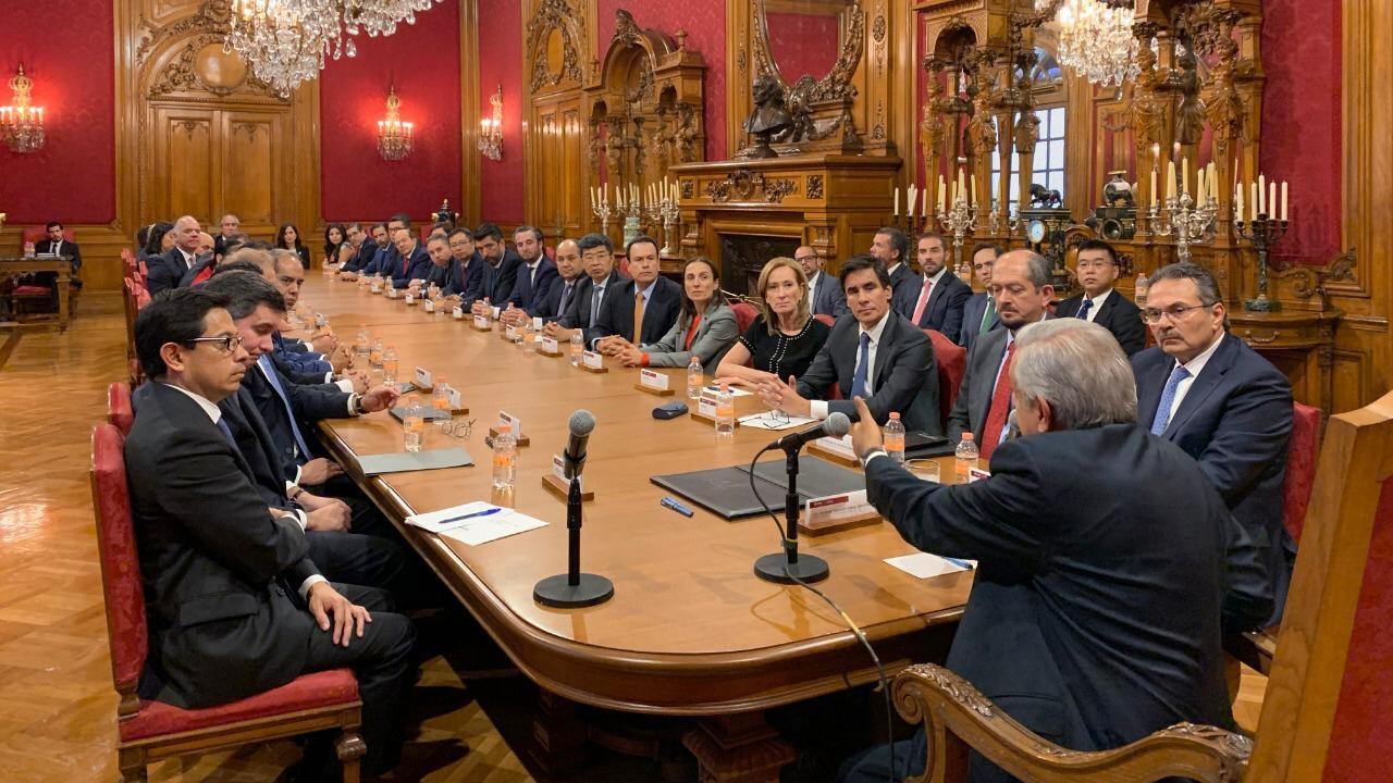 AMLO: Primer año de hiper liderazgo disruptivo