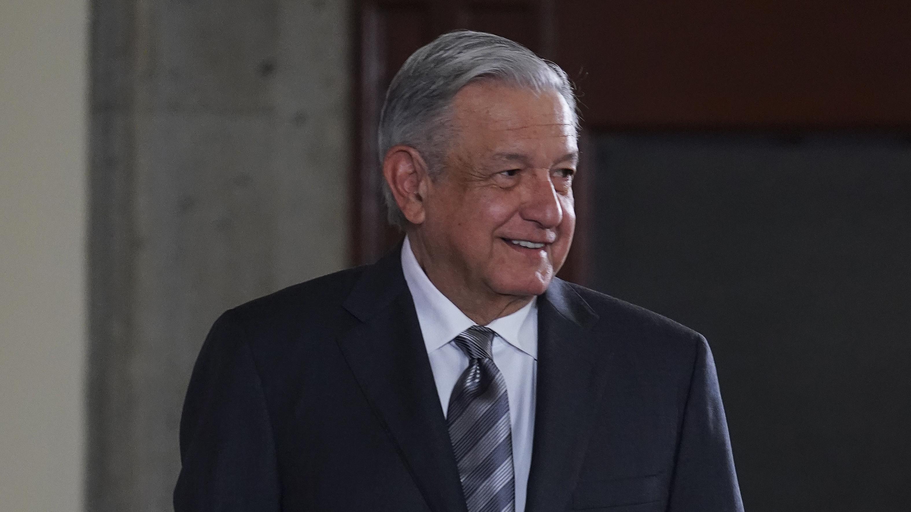 Espero 'ganar' la consulta de 2021, dice López Obrador