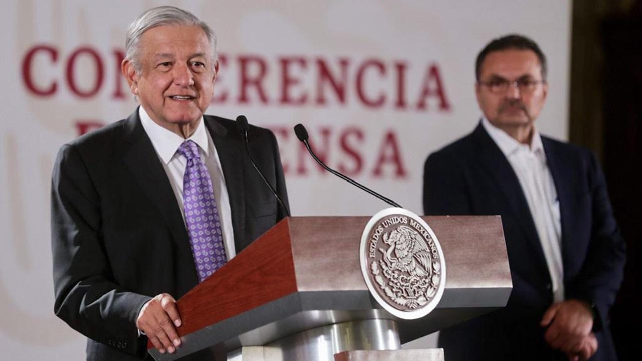 AMLO desautoriza a Pemex el uso de fracking en un campo