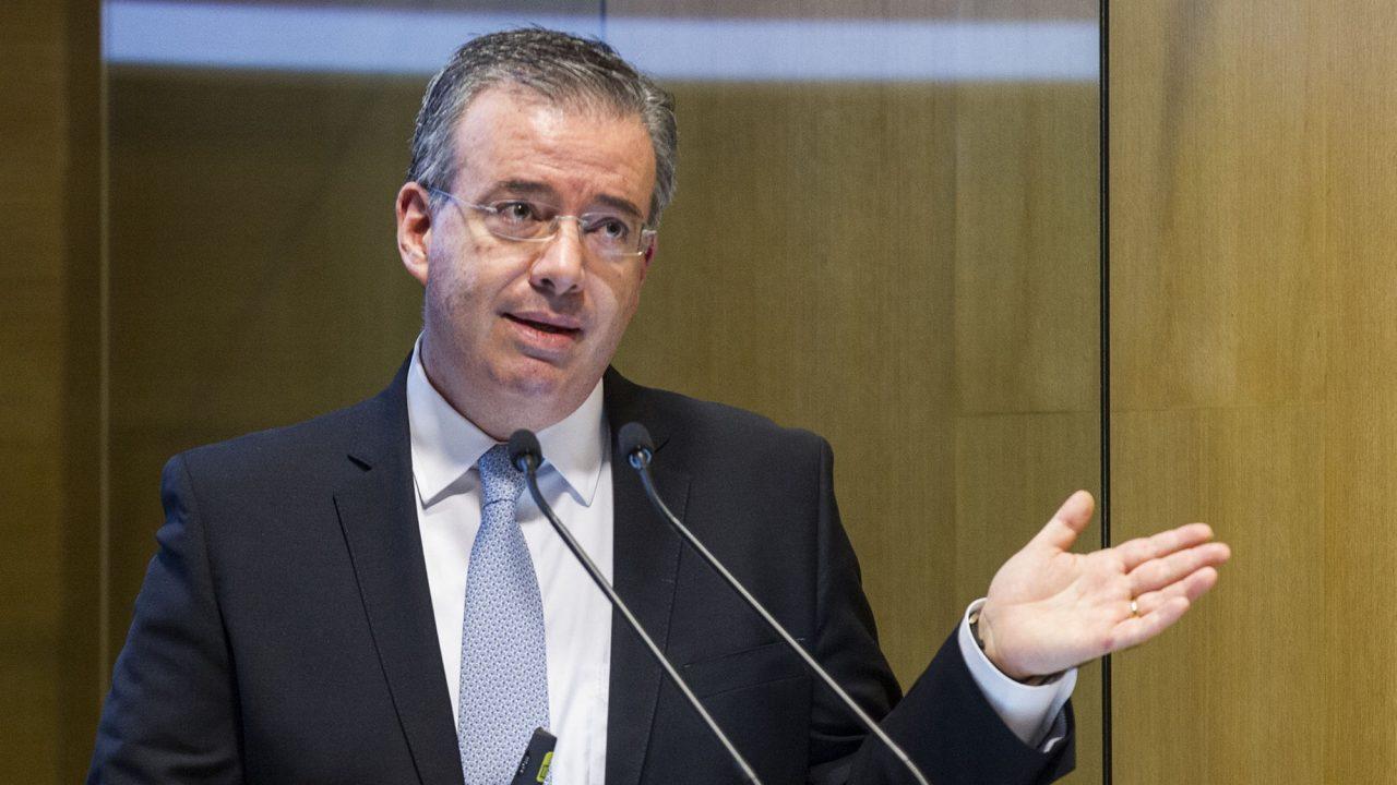 Banxico responde a AMLO: opinar de economía es parte de la tarea